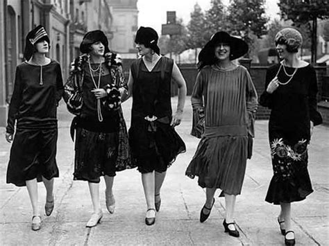 swing style frauen fashion trends in 1920s and 1930s deco design