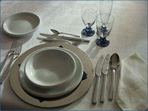 come si apparecchia un tavolo cucina e dintorni come apparecchiare la tavola la
