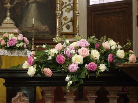 composizioni di fiori per matrimonio chiesa decorazione altare matrimonio migliore collezione