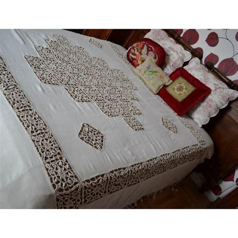copriletti antichi antico copriletto 800 inserti e nappine ad uncinetto