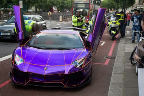 Glow In The Lamborghini At 550 000 Glow In The Lamborghini Seized By