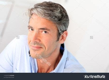 pics of hairstyles for 40 yr old men pictures of hairstyles for 40 year old men hairstyles