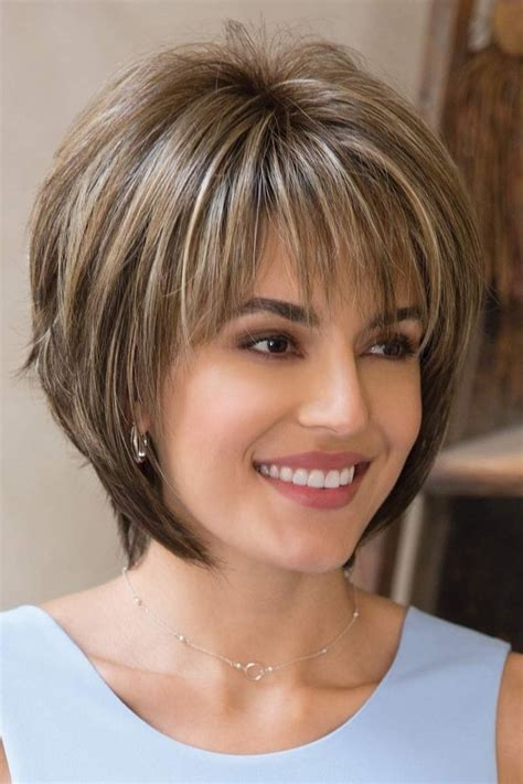 chunking or highlighting short brown hairstyle short hair with chunky highlights best short hair styles
