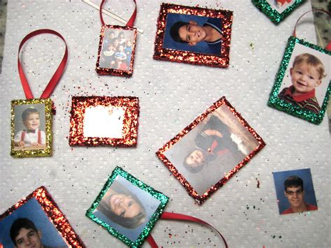 Simple Handmade Photo Frames - c r a f t 12 family tree ornaments c r a f t