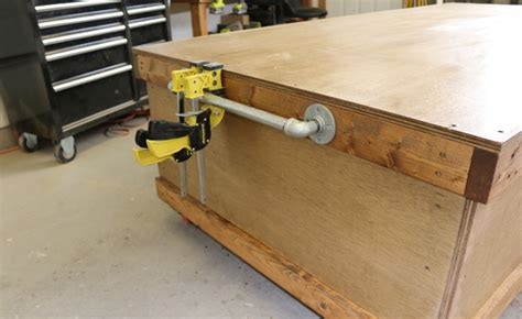 rolling work bench plans diy rolling workbench with free workbench plans