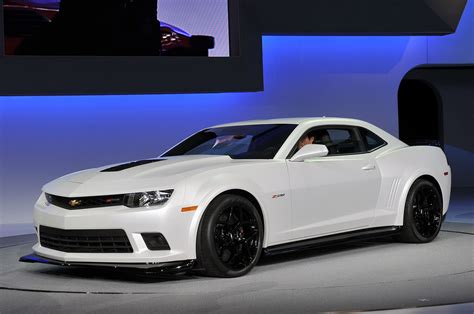 new camaro car new camaro chevrolet z28 hd wallpaper cars wallpapers