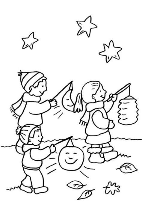 Kostenlose Vorlage Laterne Kostenlose Malvorlage Kindergarten Kinder Beim Laternenumzug Zum Ausmalen