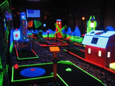black light putt putt indoor mini golf pixshark com images galleries