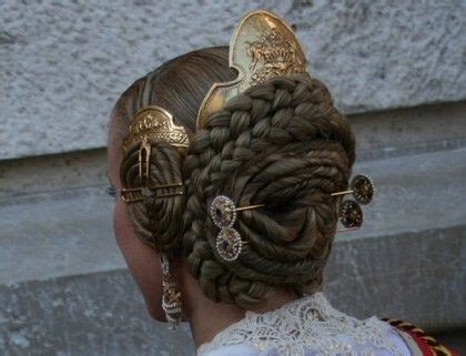 where to find a hair accessorie called a bump it for the crown of your head 83 best images about hair combs pins on pinterest