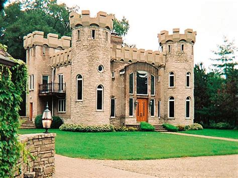 small castle style house mini mansions houses italian - Castle Homes