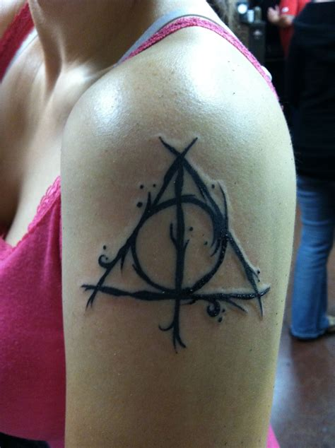 deathly hallows symbol tattoo my deathly hallows tattoos deathly