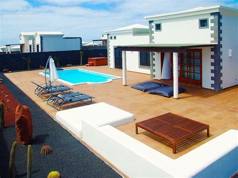 location table de billard villa avec piscine priv 233 e solarium et