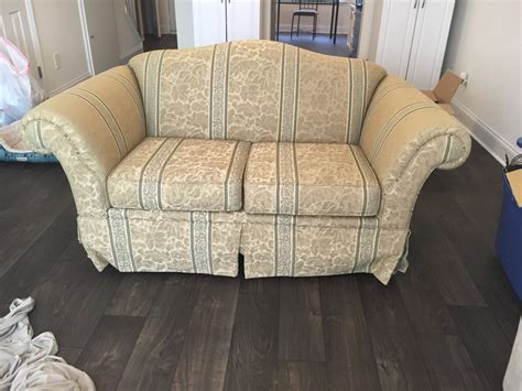 matching chair and ottoman slipcovers letgo reduced matching sofa and lovese in gumtree nc