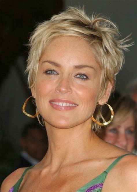 best haircuts for women over 50 with jowls best haircuts for women over 50 with jowls