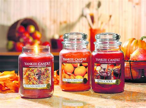 fall scents 10 things homeowners do during fall homes com