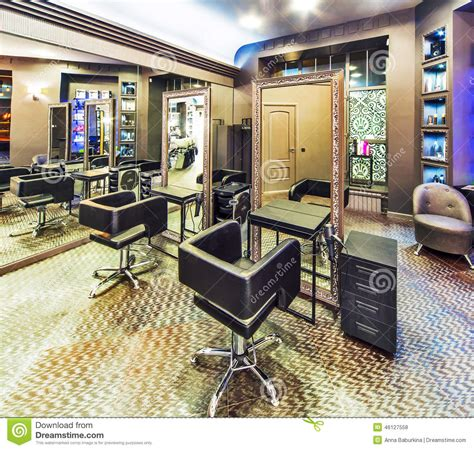 Makeup Di Christopher Salon Sal 227 O De Beleza Luxuoso Foto De Stock Imagem De Cadeira