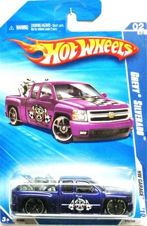 Chevy Silverado Hw Cars 2007 chevy silverado 2010 wheels garage 02 10 violet w motorcycle in rear hotwheels