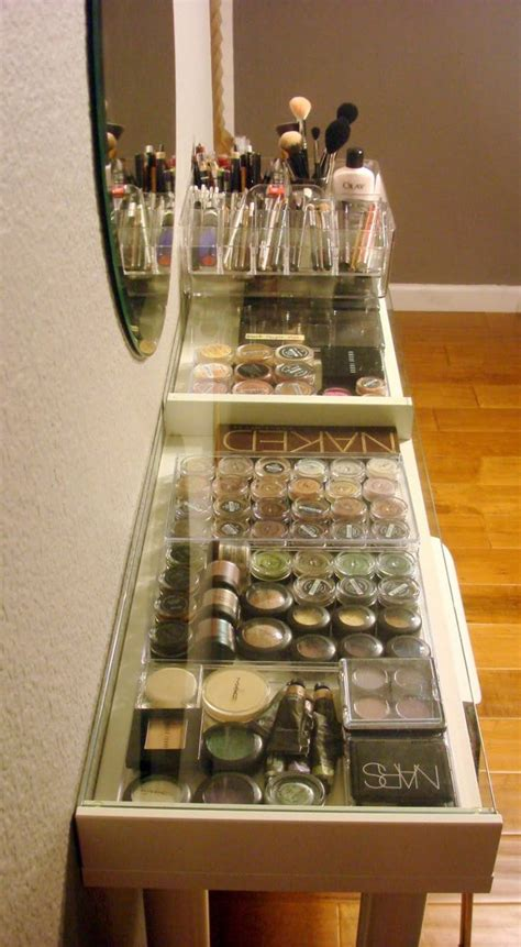 Stores Like Vanity by 1000 Ideas About Makeup Vanity On Makeup