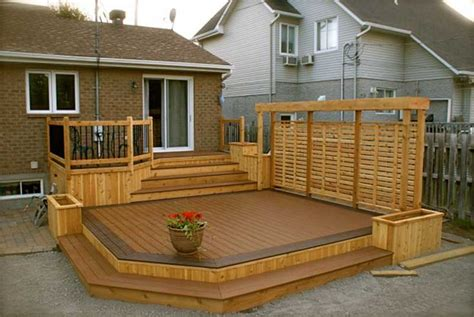 backyard sains r 233 alisation patio en bois trait 233 01 maison pinterest