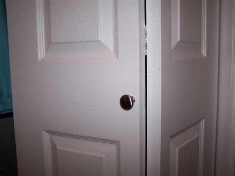 Closet Door Knobs And Pulls Bifold Door Knob Location Screen Door Knob Location Elsavadorla