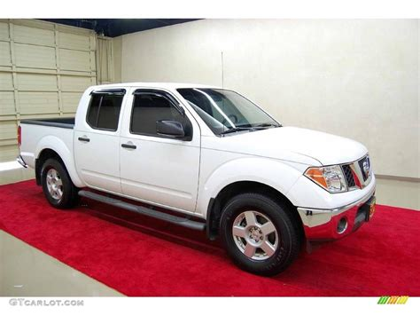 white nissan frontier 2005 avalanche white nissan frontier se crew cab 1445122