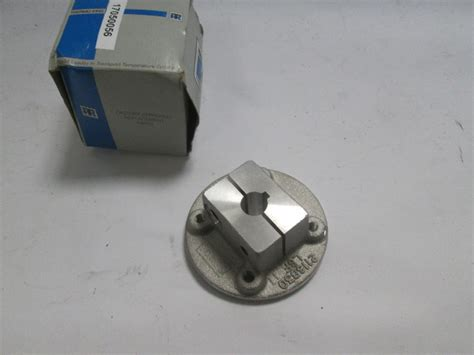 TEST LISTING Thermo King 77 1457 Fan Blade Hub Spindle