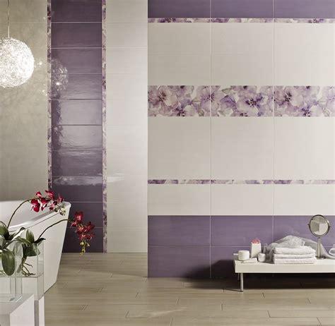 bagni con piastrelle piastrelle bagno con fiori divani colorati moderni per