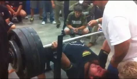 bench press nfl record 700 pound bench press matt poursoltani breaks texas high