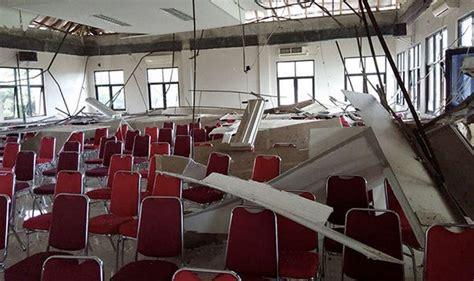 earthquake jakarta news indonesia earthquake 130 buildings damaged as 6 1 quake