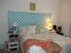 lattice headboard country bedroom ideas