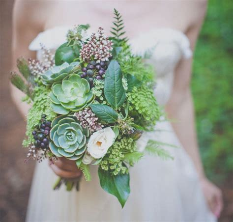 Green bouquet with succulents   Fab Mood   Wedding Colours