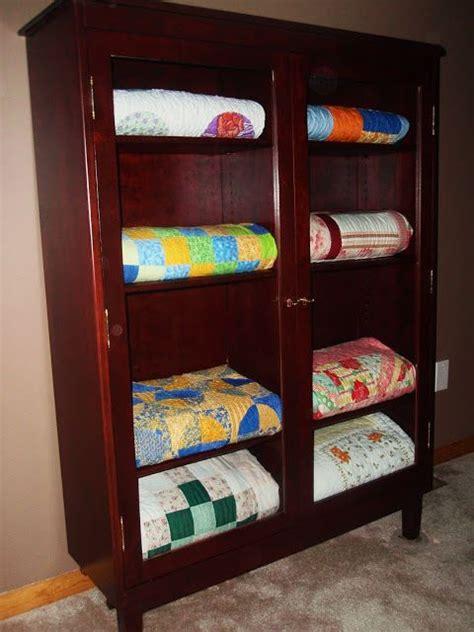 Quilt Storage Cabinets 47 Best Quilt Cabinet And Display Your Treasures Images On Cabinets Display