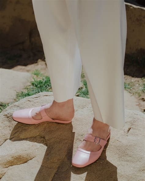 creatures of comfort hours odds and ends need supply co spring 2018 shoes and