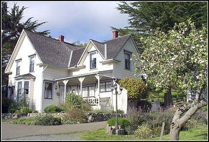 1000+ ideas about victorian farmhouse on pinterest   folk