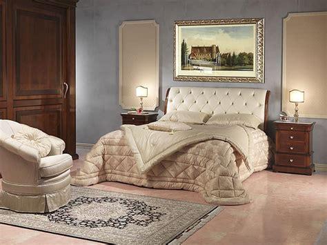 arredamento enrico esente s r l di pier paolo ese letto lussuoso in legno e pelle per stanza d albergo