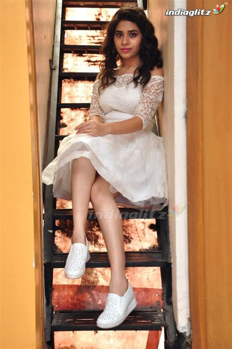 telugu actress tejaswini tejaswini telugu actress image gallery