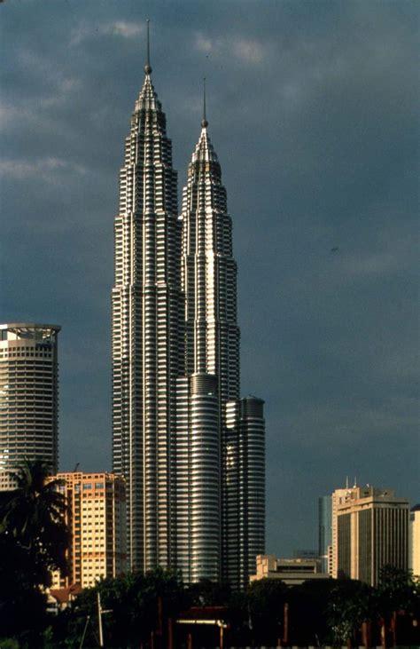 tallest in the world a presentation on petronas towers of kuala lumpur civildigital