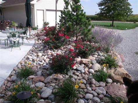 Garten Gestalten Mit Steinen Und Pflanzen by Gartengestaltung Mit Steinen Praktische Tipps Und 23