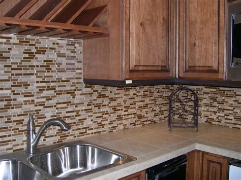 how to make a backsplash in your kitchen how to make a kitchen backsplash glass tiles decor trends