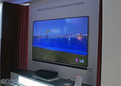 Proyektor Tv Lg Sneaks A New Version Of Its Laser Tv Projector Into