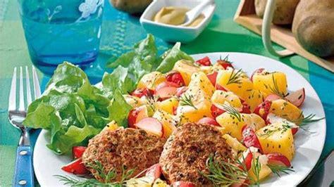 Kartoffel Und Zwiebel Behälter by Frikadellen Und Kartoffel Radieschen Salat Bild Der Frau