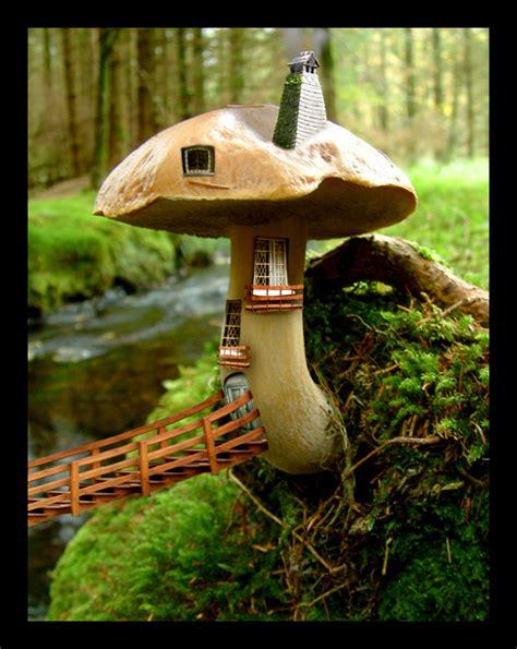 mushroom house mushroom house by caglarsasmaz on deviantart