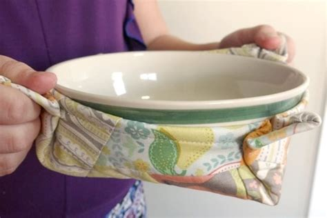 free pattern microwave bowl potholder grandma s secret recipe pot holders allfreesewing com