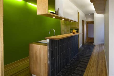 cuisine 駲uip馥 en longueur une cuisine 233 troite et conviviale lavigne