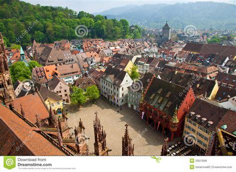 freiburg w budynki w freiburg im breisgau mieście niemcy obraz