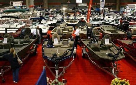 deck boat nashville turnout for nashville boat sportshow encourages vendors