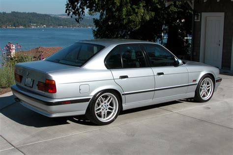 Bmw E34 Bmw 5 Series E34 Gallery And Specs Bimmerin