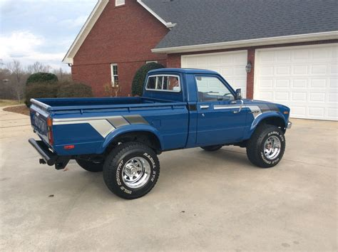 classic toyota truck 1981 toyota pickup 4x4 low original miles classic toyota