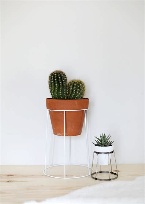 How To Make A Plant Holder - diy wire plant stand 187 the merrythought