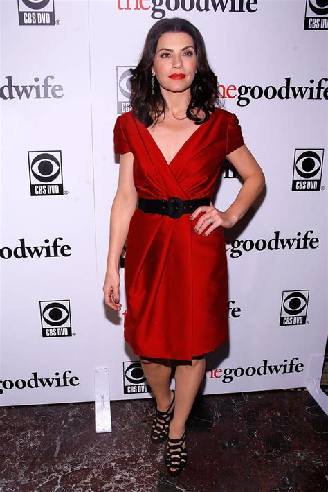 what kind of purse does juianna margolis carry in the good wife julianna margulies cocktail dress julianna margulies